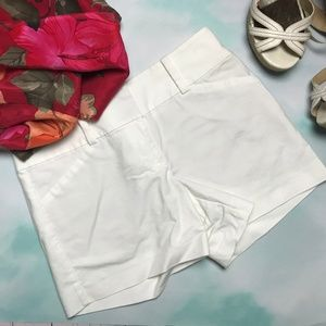 🍁 Ann Taylor Signature Size 2 White Shorts